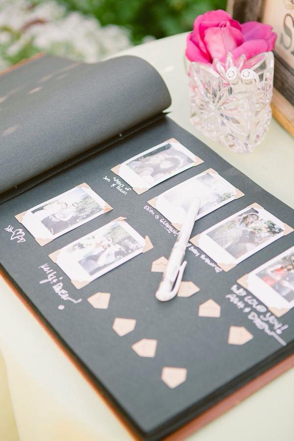 ... az esküvői vendégkönyvhöz!