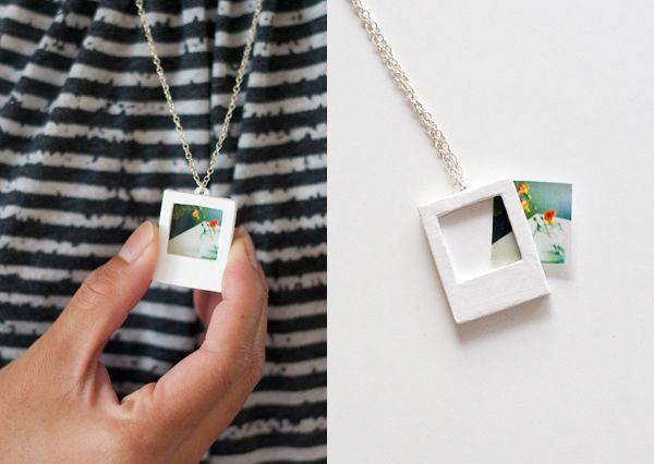 Égethető gyurmából elkészítheted a polaroid nyakláncot!